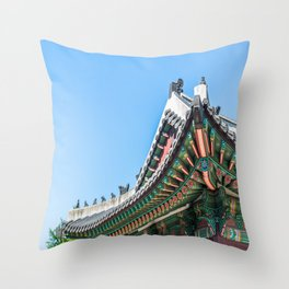 Palace Roof_Seoul Throw Pillow
