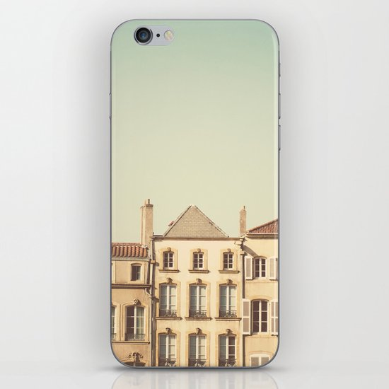 designated town of art & history ... iPhone Skin