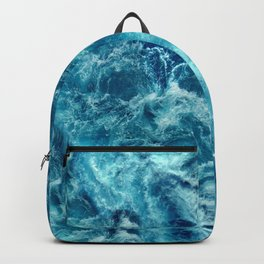 Ocean is shaking Backpack