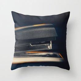 Klammeraffe Throw Pillow