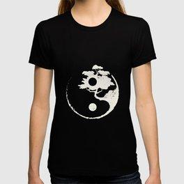 Ying Yang Bonsai Tree Enso Circle Zen T-shirt