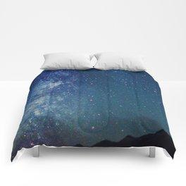 Milky Way Over the Tetons Comforters