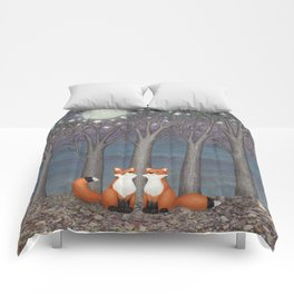 dreamy foxes Comforters