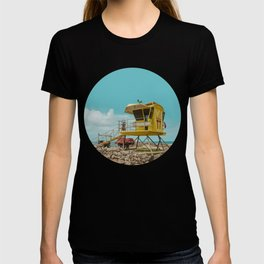 T7 Lifeguard Station Kapukaulua Beach Paia Maui Hawaii T-shirt
