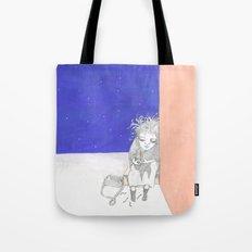 La pequeña vendedora de cerillas Tote Bag