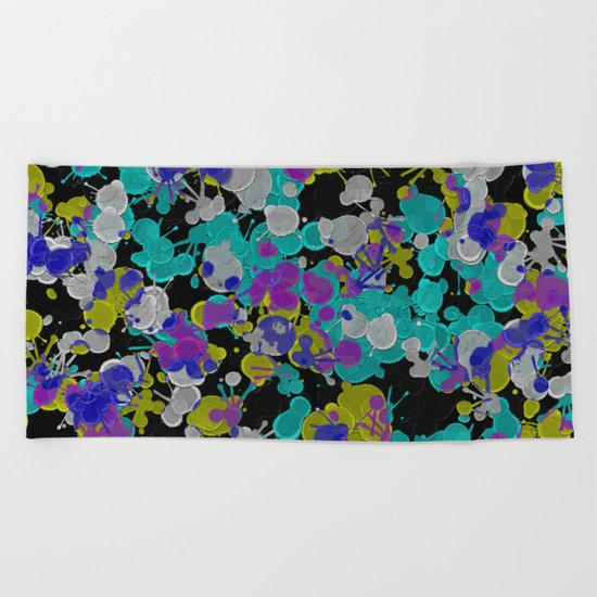 Dark Splatter - Abstract, paint splatter pattern in black, cyan, yellow, white and green Beach Towel