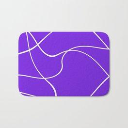 """Abstract lines"" - White on lavender Badematte"