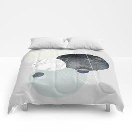 Graphic 89 Comforters