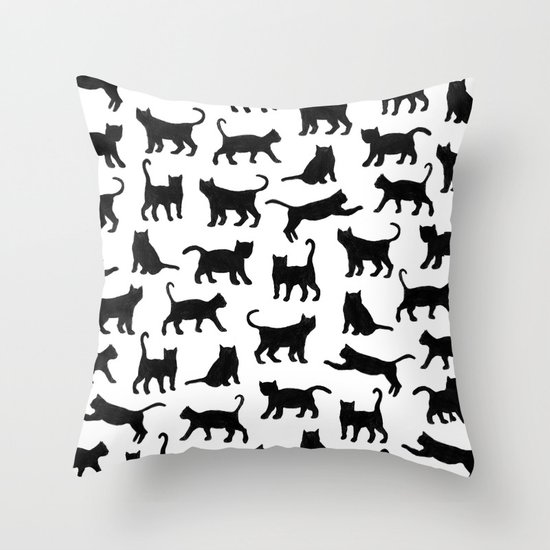 Le petits chats Throw Pillow