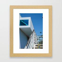 bleu et jaune Framed Art Print