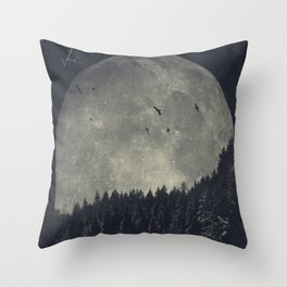 eerie landscapes 1 Throw Pillow