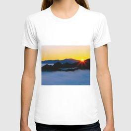 Dawn in the fog covered Santa Monica Mountains, California T-shirt