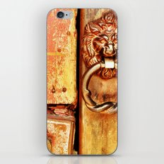 Lion door. iPhone & iPod Skin