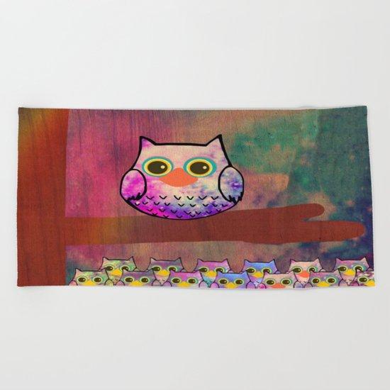 owl-494 Beach Towel