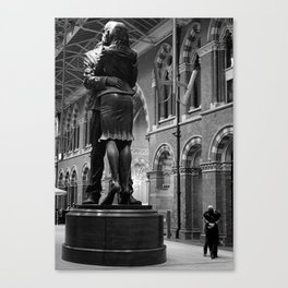 Kiss by the King's Cross Station Canvas Print