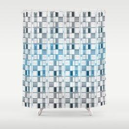 Bright sky! -Cuadricula Shower Curtain