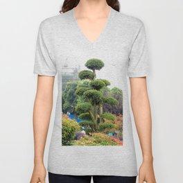 Yueyang garden | Jardin Yueyang Unisex V-Neck
