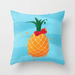 The happy pineapple Throw Pillow
