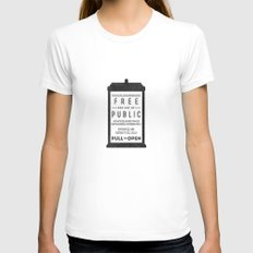 PULL to OPEN (TARDIS) White MEDIUM Womens Fitted Tee
