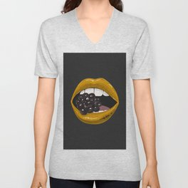 Gold lips vs berry Unisex V-Neck