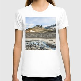 "Extrusion ""Camel"" at the foot of the Avachinsky volcano T-shirt"