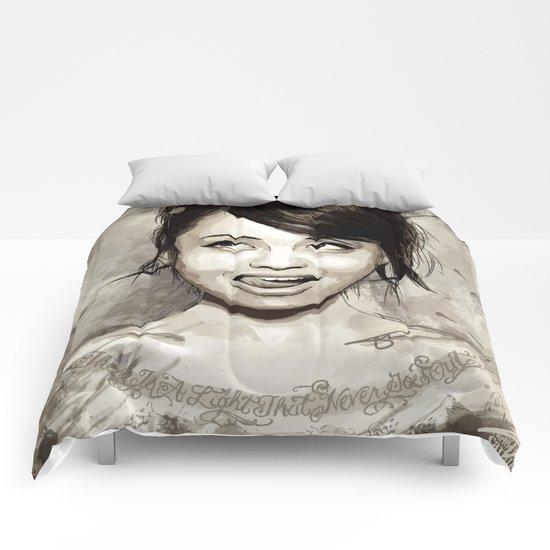 Levy Tran Comforters