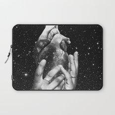 Heart says hold on Laptop Sleeve