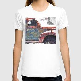 Vintage Field Truck 1 T-shirt
