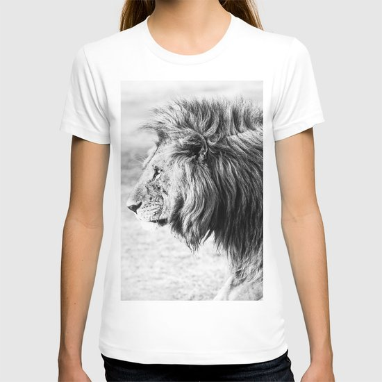 Black and White Lion by madeinthedesertco