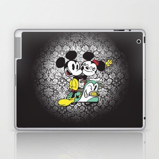 Croissant de Triomphe Laptop & iPad Skin