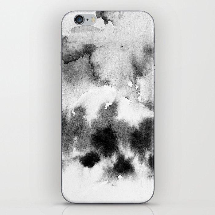 MINIMAL BLACK AND WHITE SPLATTER PATTERN iPhone Skin