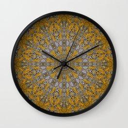 Flechten 4 Wall Clock