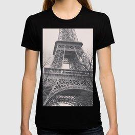 Eiffel tower, Paris, black & white photo, b&w fine art, tour, city, landscape photography, France T-shirt