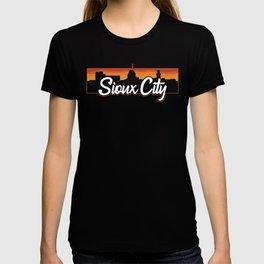 Vintage Sioux City Iowa Sunset Skyline T-Shirt T-shirt