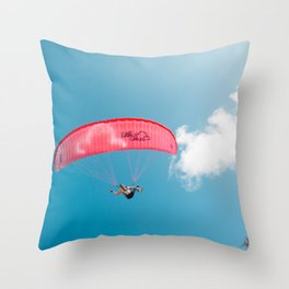 Paraglide parapente Throw Pillow