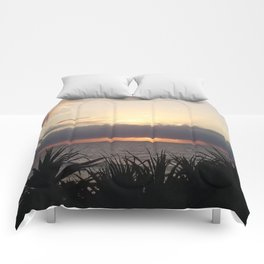 Break of Day - Wickham Point , Caloundra Australia Comforters