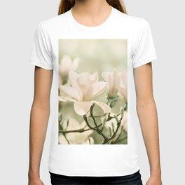 Magnolia 011 T-shirt