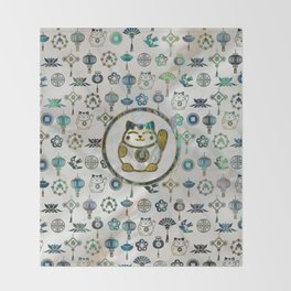 Maneki Neko Lucky cat on  pearl and abalone Throw Blanket