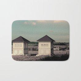 Del Beach Huts Bath Mat