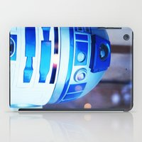 r2d2 iPad Cases featuring R2D2 by Zayda Barros