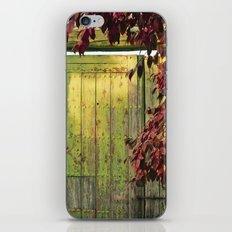 La portada verde y el otoño iPhone & iPod Skin