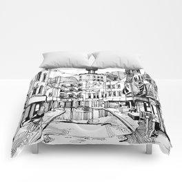 Concrete Jungle (BW) Comforters