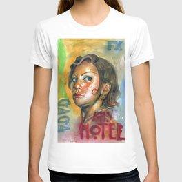 AHS Hotel-LadyGaga as Young Elizabeth T-shirt