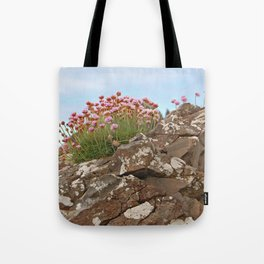 Giant's Causeway flowers Tote Bag