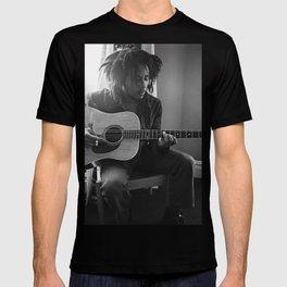 Marley Bob guitar Poster T-shirt