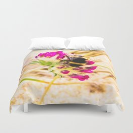bumble been on a dune flower Duvet Cover