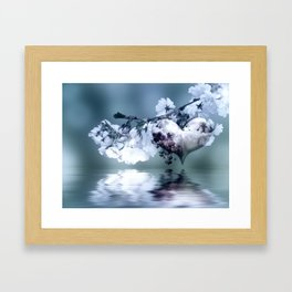 Frühlingsherz blue Framed Art Print