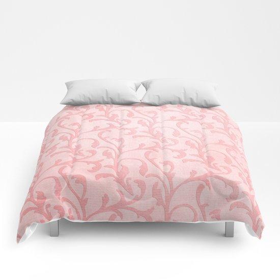 Pretty princess- Pink elegant Damask pattern Comforters