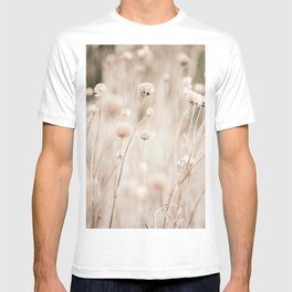 Pampas Reed Pampas Grass Bunch of Reeds Nature Botanical Landscape Natural Beige Color Wildflowers  T-shirt