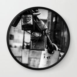 Lover's lock Wall Clock